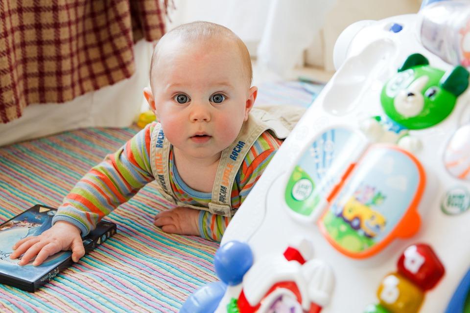 Quanto costa mantenere un bambino: qualche numero e i consigli per risparmiare